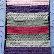 færdig hæklet gæstehåndklæde med garnender billede af gæstehåndklæde