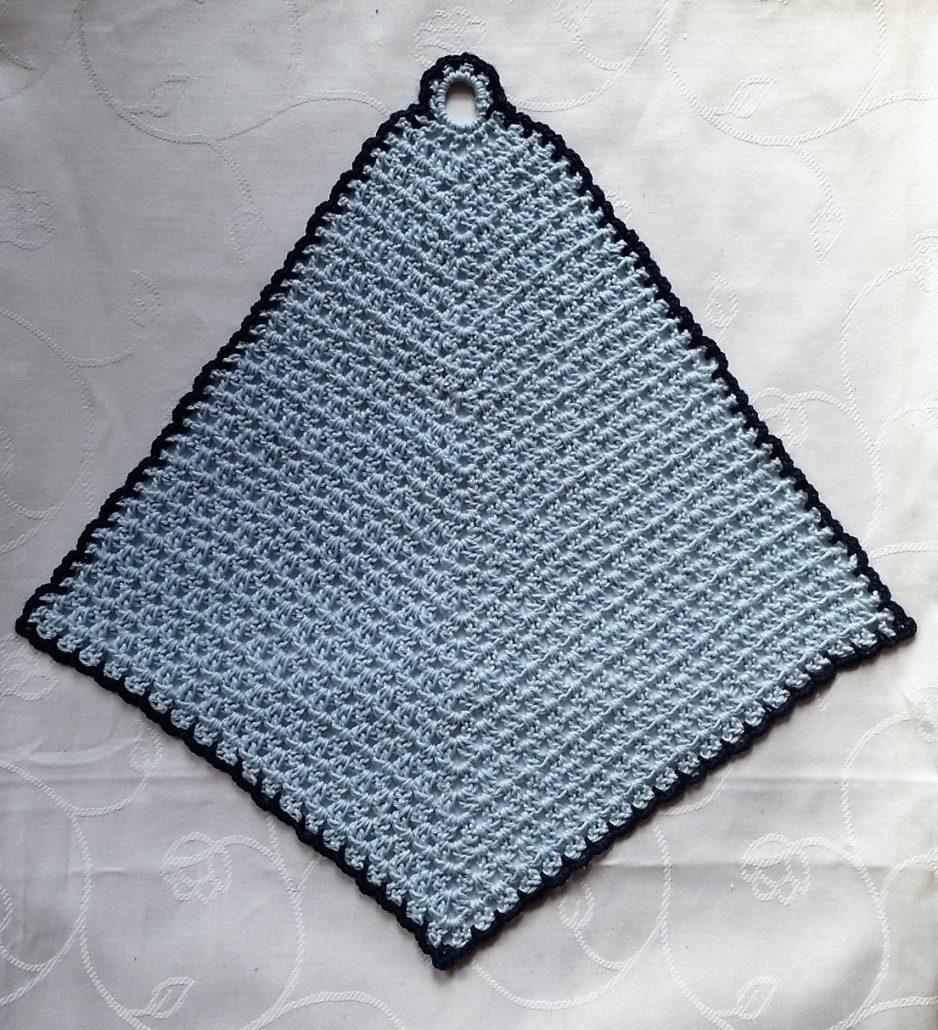 billede 5 med den færdig hæklet vaskeklud