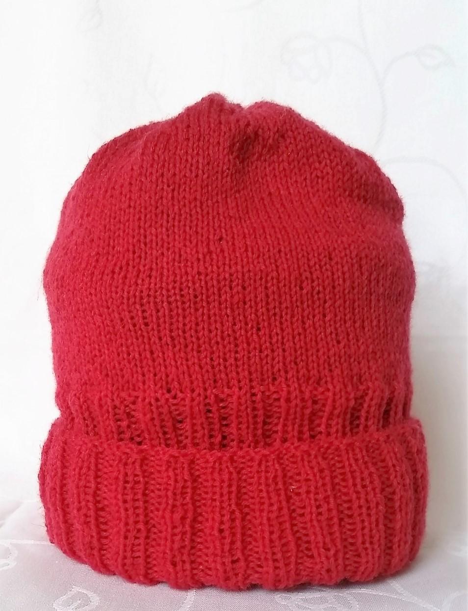 strikkeopskrift på hue til damer og mænd billede af den strikket hue