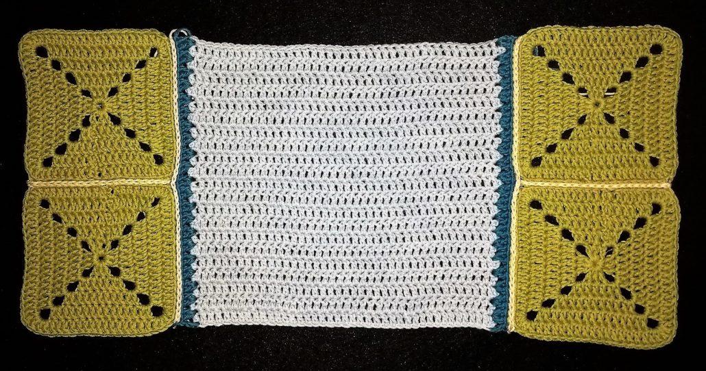 firkanter er hæklet på siden billed af alle firkanter er hæklet på hver side