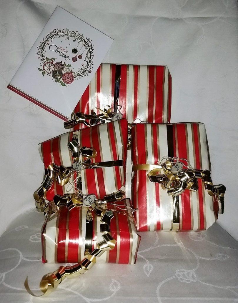 gave nummer 8 billed med 4 julegaver