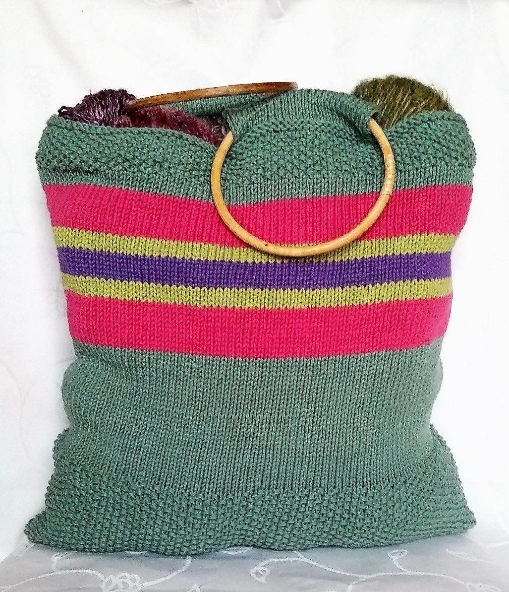 Strikketøjstaske billed af færdig strikket strikketøjstaske