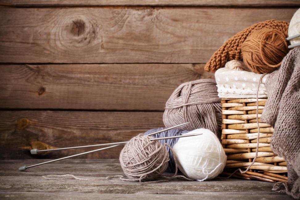 Billed af garn strik og strikkepind